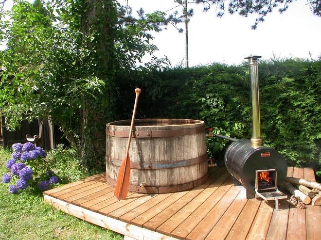 sunline, chauffage piscine au bois Réf CHAUFFAGE Po u00ealesà bois po u00ealeà bois extérieur  # Poele A Bois Pour Bain Nordique